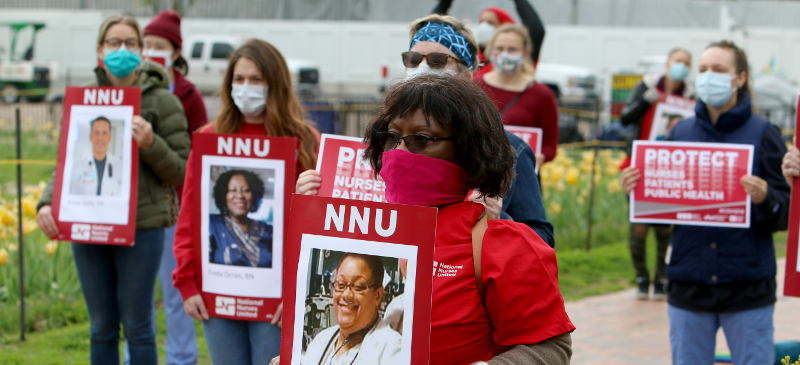 Nurses protest covid deaths due to lack of protections